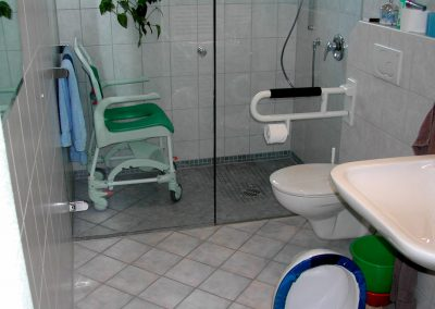 Behindertenduschbad