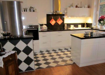 Küche mit Fliesen